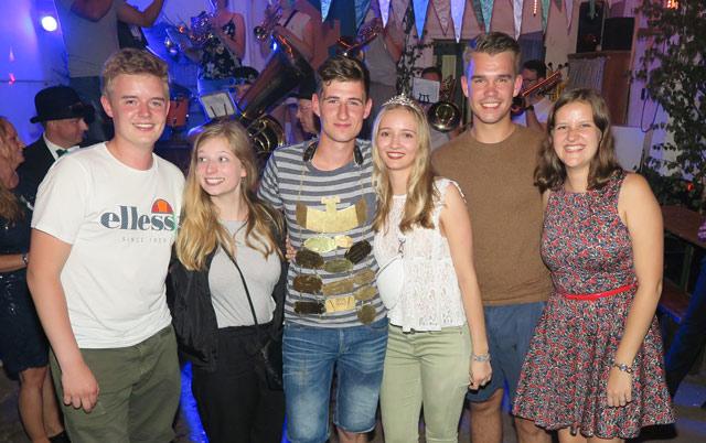 Neues Königspaar der Fähnchenschützen - Max Bienbeck und Linda Deppe