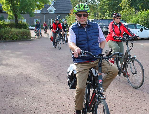 Eröffnung Radtour Mit Ansgar Müller