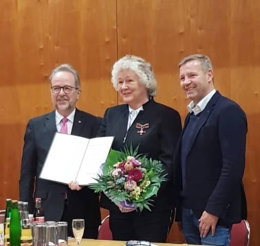 Bundesverdienstkreuz Gudrun Gerwien Gagug zwergenhilfe