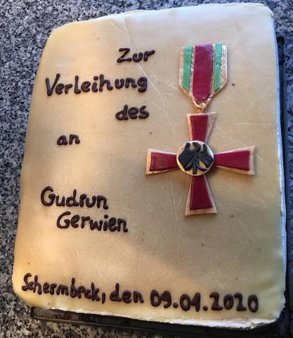 Gudrun Gerwien erhält Bundesverdienstkreuz
