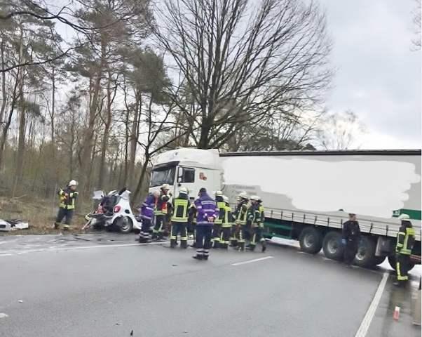 Tödlicher Unfall B 224 Feuerwehr Schermbeck