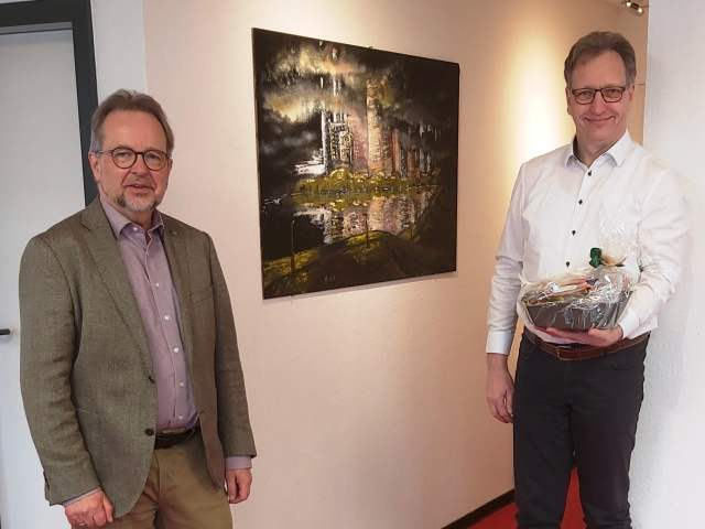 Landrat Dr. Müller dankte Dirk Kottenhahn, Inhaber von Praxis Profis.