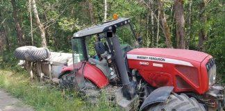 Traktor im Wassergraben Schermbeck