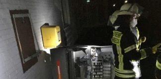 Die Feuerwehr demontierte den kompletten Automaten.