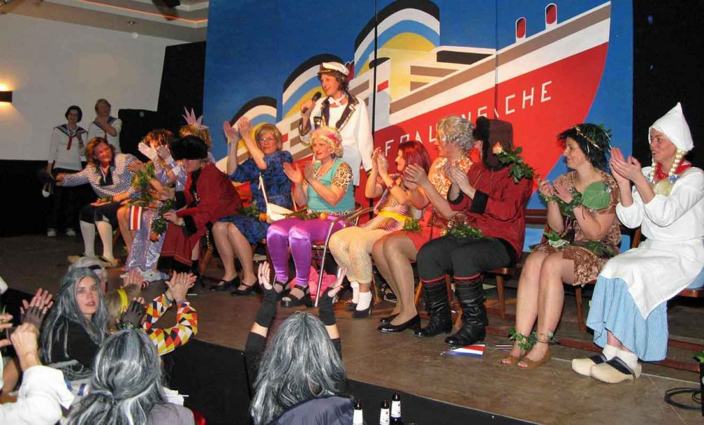 Theatergruppe-Frauensache-Schermeck
