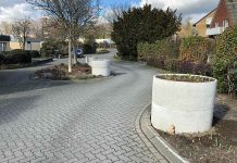 Verkehrsberuhiging-durch-Betonkübel-Schermbeck