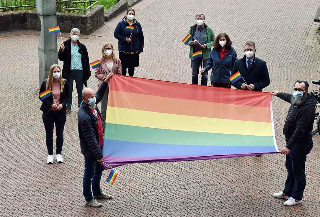 Kreis-Wesel-gegen-Diskreminierung-Regenbogen