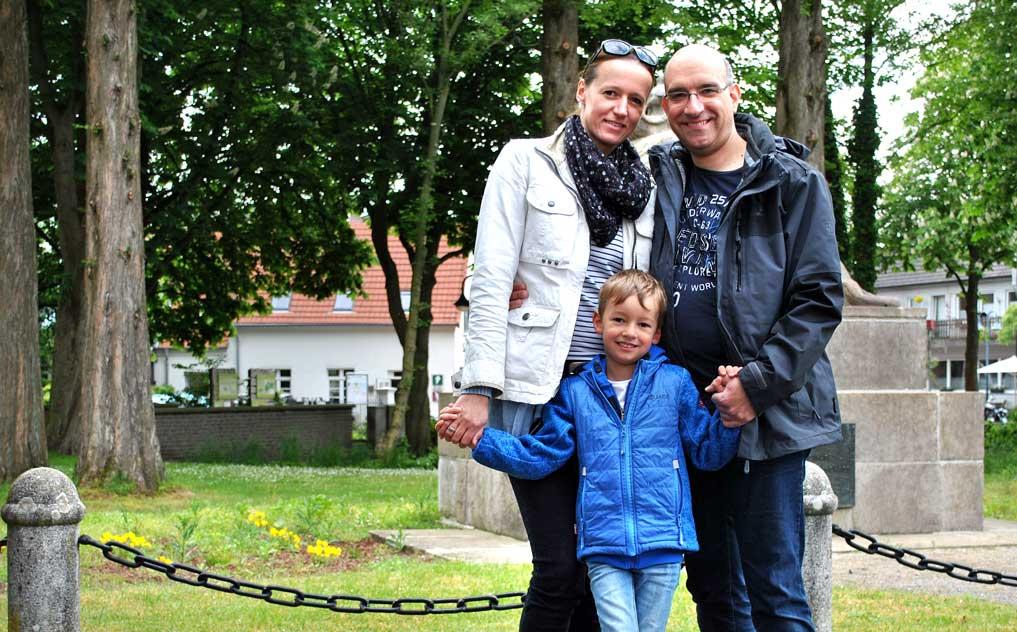 Stefanie-und-Michael-Redeker-mit-Sohn-Niklas