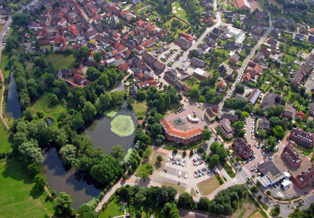 Rathaus-Gestaltung-Mittelstrasse-Schermbeck-