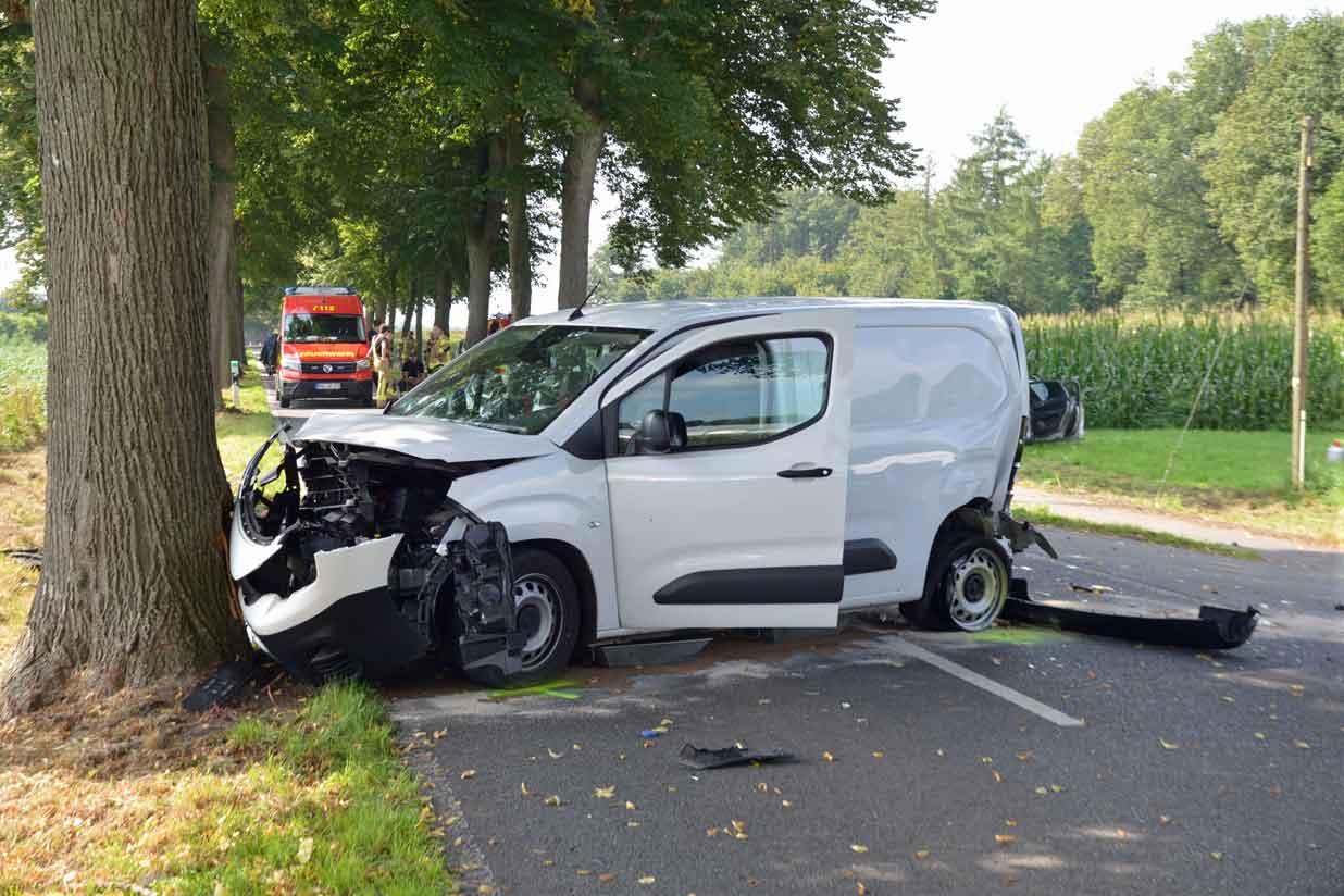 Schwerer-Unfall-Rhader-Strasse-Raesfeld-Erle