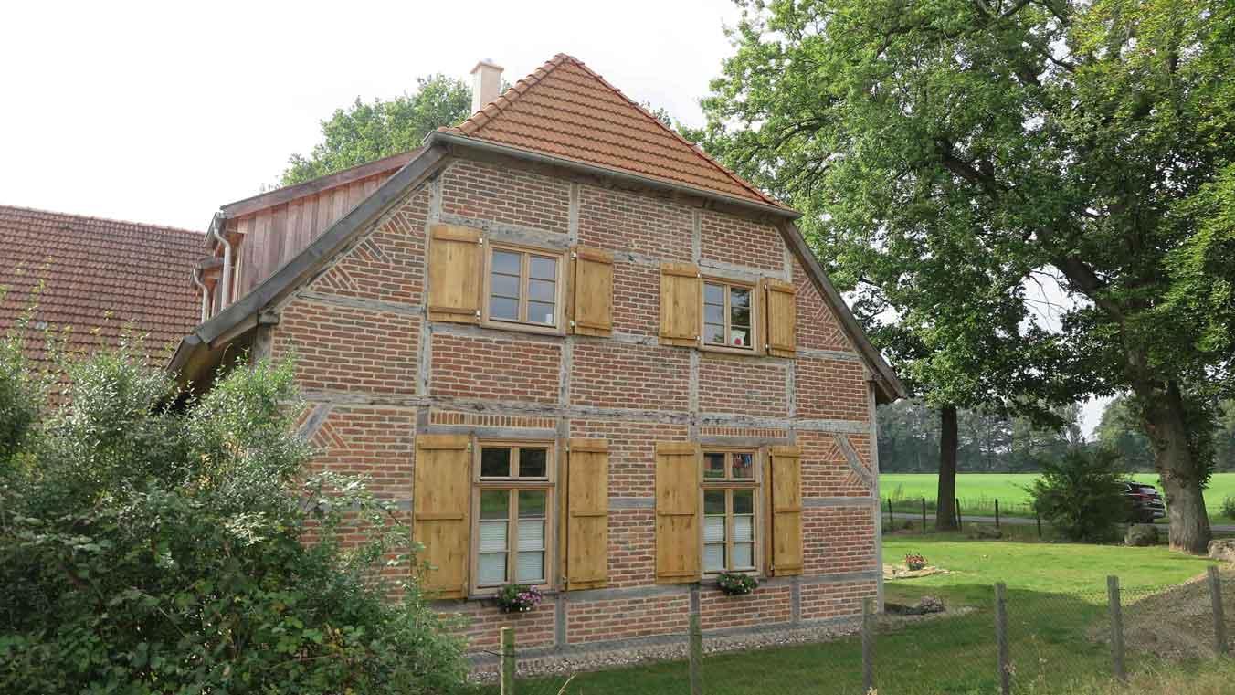 Wohnstallhaus-wurde-von-der-Altschermbecker-Familie-Stroetzel